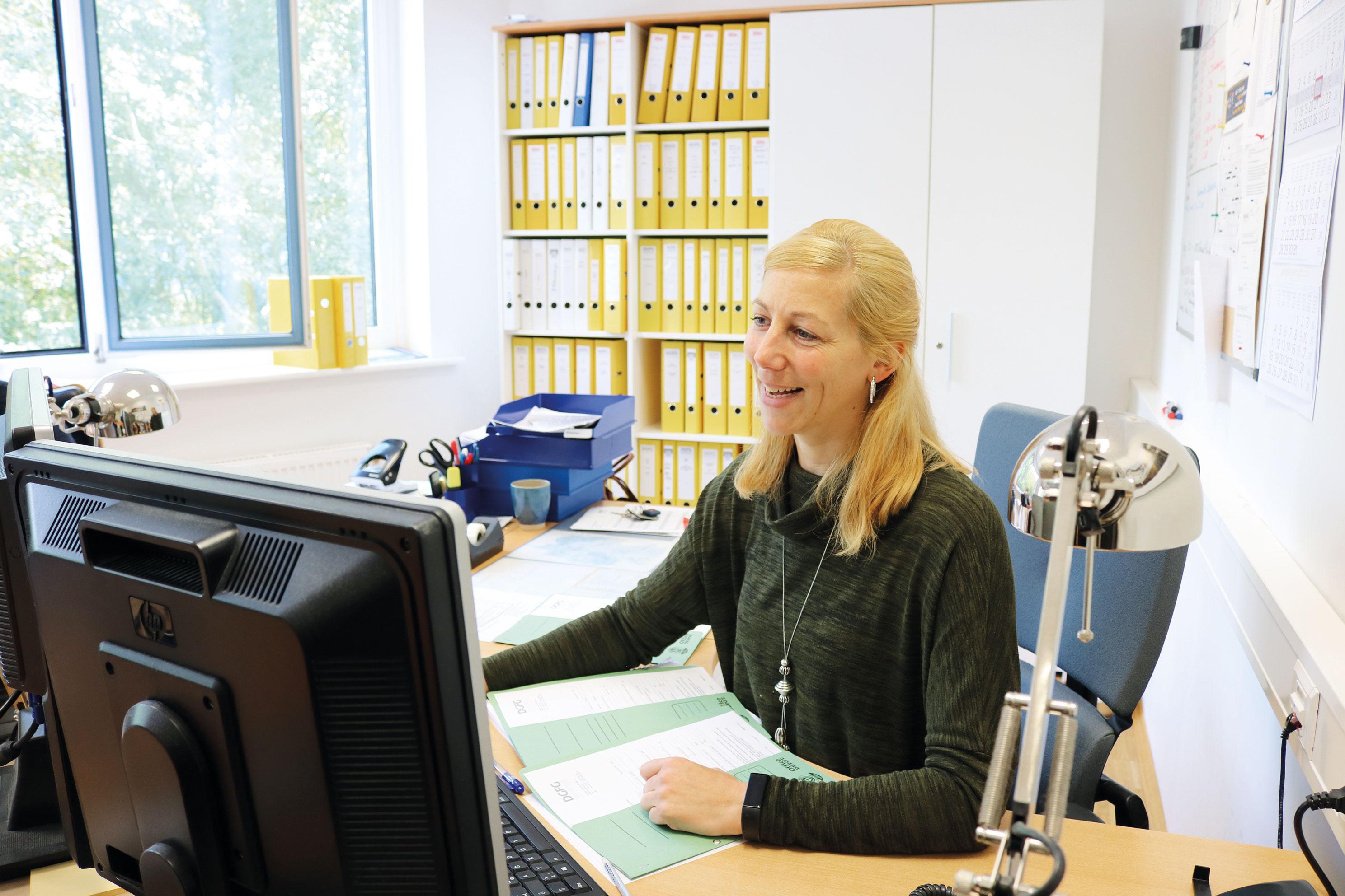 Tanja Petrich ist seit vier Jahren Teil der Vermittlungsstelle der DGFG
